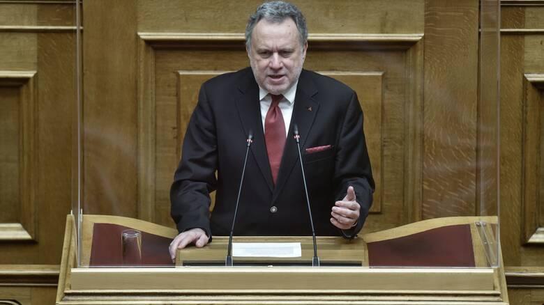 Βουλή: Κόντρα ΝΔ - ΣΥΡΙΖΑ για την πορεία του εμβολιασμού