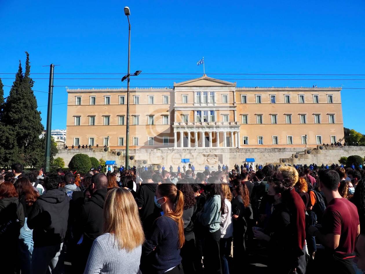 https://cdn.cnngreece.gr/media/news/2021/02/04/253225/photos/snapshot/syllalhthrio-ekpaideytiko-athina-4.jpg
