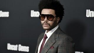 Κορωνοϊός: Ο Weeknd παραδίδει γεύματα στους «ήρωες της πρώτης γραμμής»