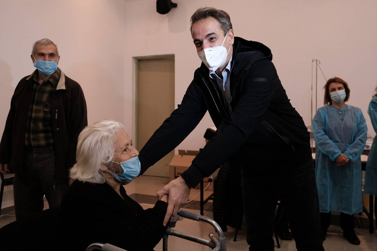 https://cdn.cnngreece.gr/media/news/2021/02/06/253465/photos/snapshot/mhtsotakhs-ikaria-foyrnoi-4.jpg