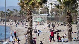 Καρέ - καρέ πώς «εκμεταλλεύονται» τον καλό καιρό οι Αθηναίοι λίγες ώρες πριν την απαγόρευση