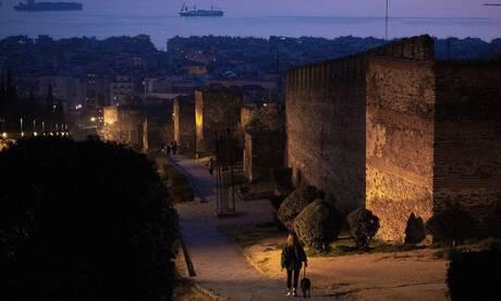 Lockdown: Έρημη πόλη η Θεσσαλονίκη μετά την απαγόρευση κυκλοφορίας