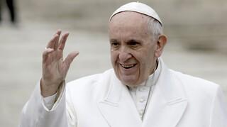 Ιστορική απόφαση πάπα Φραγκίσκου: Η πρώτη γυναίκα με δικαίωμα ψήφου στη Σύνοδο των Επισκόπων