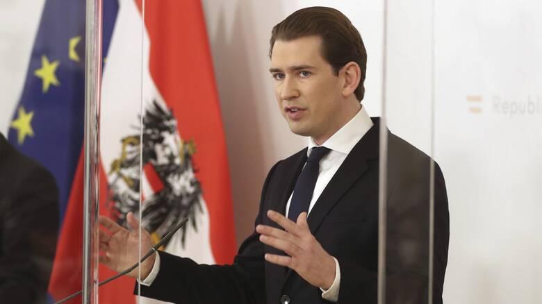 Κουρτς: Η Αυστρία είναι πρόθυμη να παράγει τα κινεζικά και ρωσικά εμβόλια αν εγκριθούν