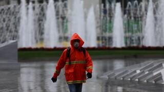 Αλλάζει απότομα ο καιρός σήμερα: Βροχές, καταιγίδες και θυελλώδεις άνεμοι