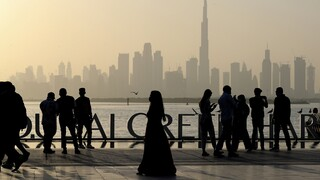 Πώς το Ντουμπάι άνοιξε τον τουρισμό του εν μέσω πανδημίας και τώρα πληρώνει το τίμημα