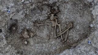 Αρχαιολόγοι ανακάλυψαν τάφους από την εποχή του χαλκού δίπλα στο Στόουνχεντς