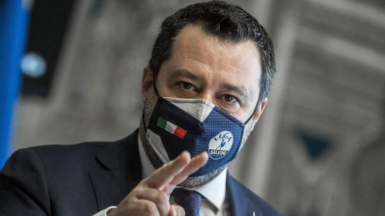 Ιταλία: «Στροφή» Σαλβίνι στο μεταναστευτικό εν όψει πιθανής συμμετοχής σε κυβέρνηση Ντράγκι