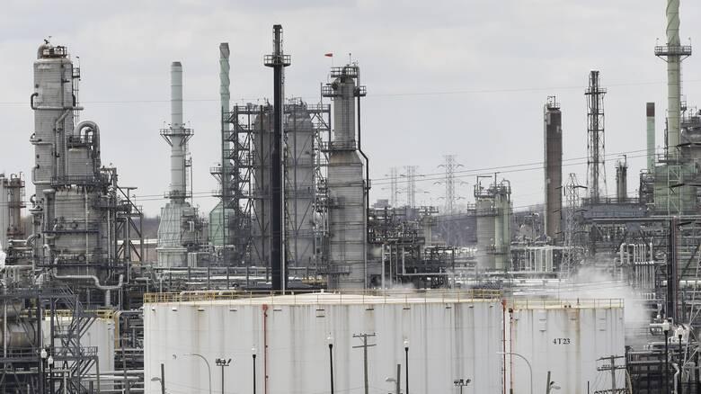 Πετρέλαιο: Σε υψηλά επίπεδα 12 μηνών οι διεθνείς τιμές του «μαύρου χρυσού»