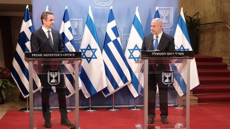 ΣΥΡΙΖΑ: Η κυβέρνηση μετατοπίζεται σιωπηρά από πάγιες θέσεις για το Παλαιστινιακό