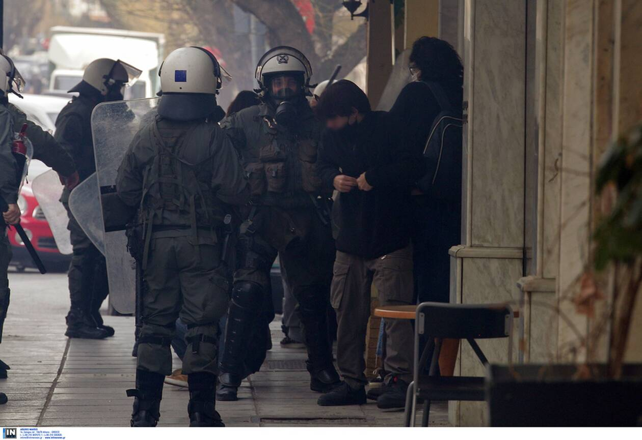 https://cdn.cnngreece.gr/media/news/2021/02/10/254000/photos/snapshot/syllalythrio-thessaloniki-6.jpg