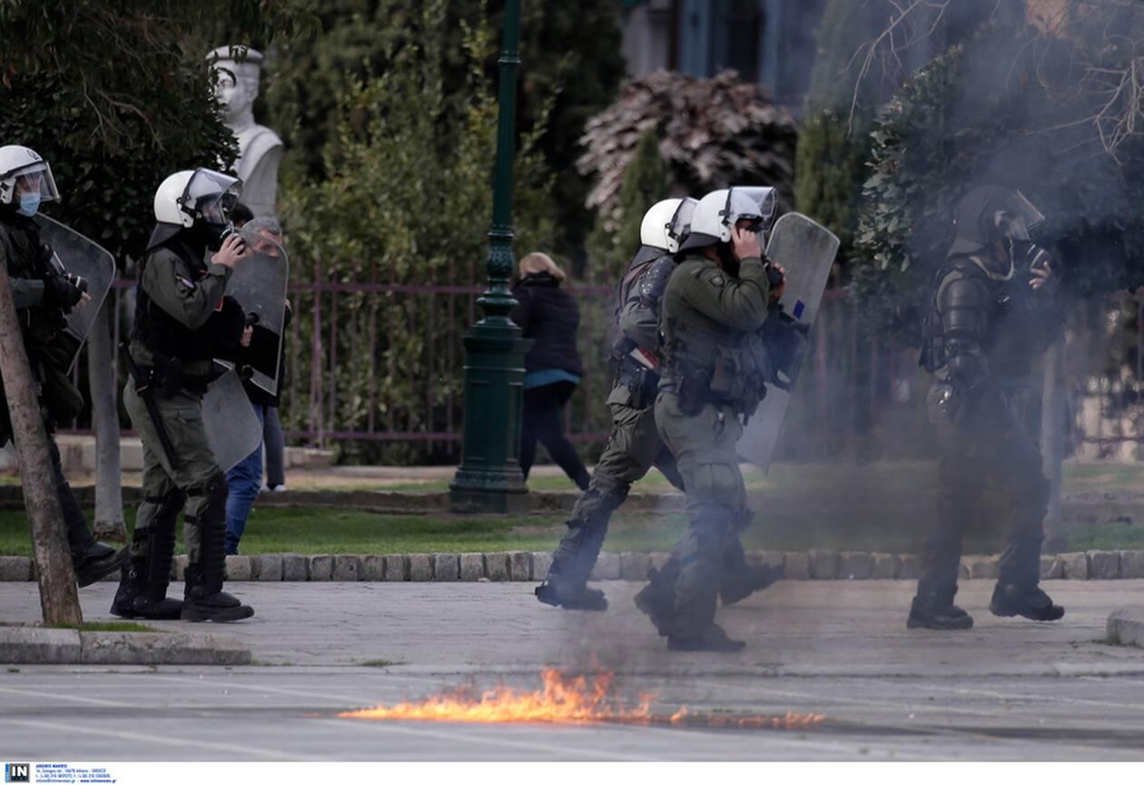 https://cdn.cnngreece.gr/media/news/2021/02/10/254033/photos/snapshot/syllalythrio-thessaloniki-3.jpg