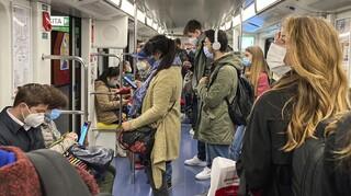 Lockdown - Σαρηγιάννης: Μέσα Μαζικής Μεταφοράς και τηλεργασία είναι κομβικής σημασίας