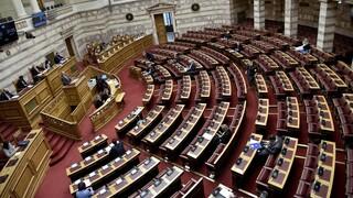 Κόντρα κορυφής στη Βουλή για την ίδρυση πανεπιστημιακής αστυνομίας