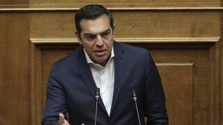 Τσίπρας στη Βουλή: Μνημείο αυταρχισμού το νομοσχέδιο του υπουργείου Παιδείας