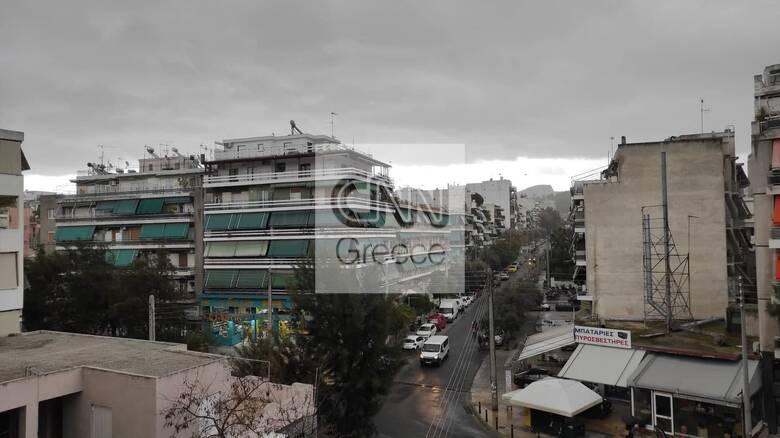Κακοκαιρία «Μήδεια»: Βρέχει καταρρακτωδώς στο κέντρο της Αθήνας