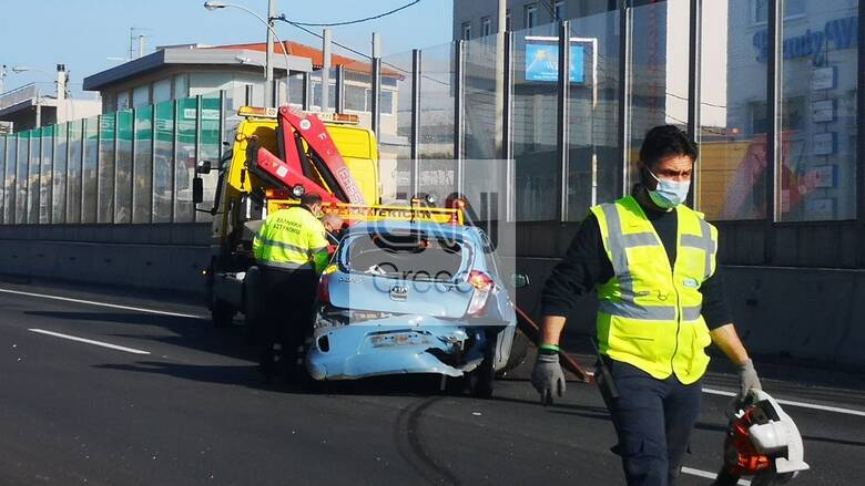 Τροχαίο στην Αθηνών Λαμίας - Με δυσκολία διεξάγεται η κίνηση