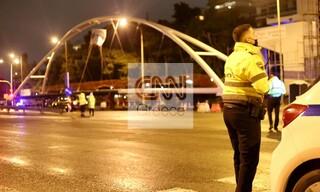Εικόνες από την εγκατάσταση πεζογέφυρας στο Παλαιό Φάληρο