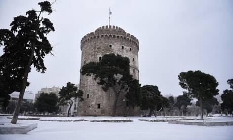 Κακοκαιρία «Μήδεια»: Χιόνισε στο κέντρο της Θεσσαλονίκης