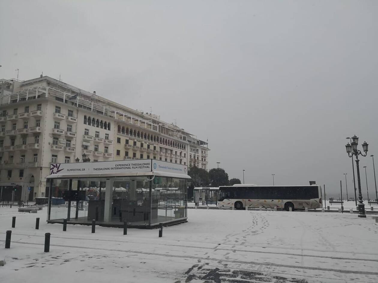 https://cdn.cnngreece.gr/media/news/2021/02/14/254480/photos/snapshot/XIONIA-THESSALONIKI-4.jpg