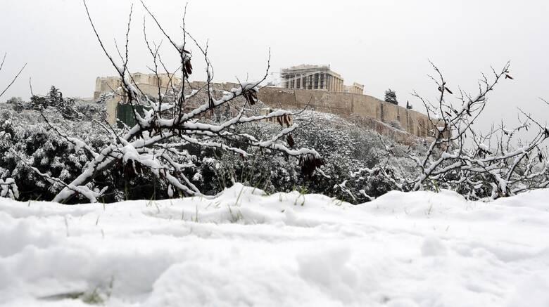 Λαγουβάρδος στο CNN Greece: «Κατεβαίνει» στην Αττική η «Μήδεια» - Χιόνια και στο κέντρο της Αθήνας