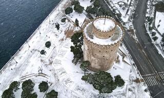 Κακοκαιρία «Μήδεια»: Εντυπωσιακές φωτογραφίες της χιονισμένης Θεσσαλονίκης από ψηλά