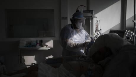 Κορωνοϊός - Γαλλία: «Συναγερμός» στο σύστημα Υγείας υπό την απειλή των μεταλλάξεων