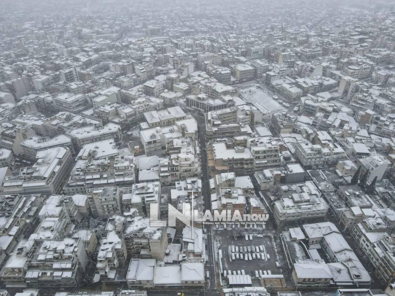 https://cdn.cnngreece.gr/media/news/2021/02/14/254540/photos/snapshot/hionia-lamia-3.jpg