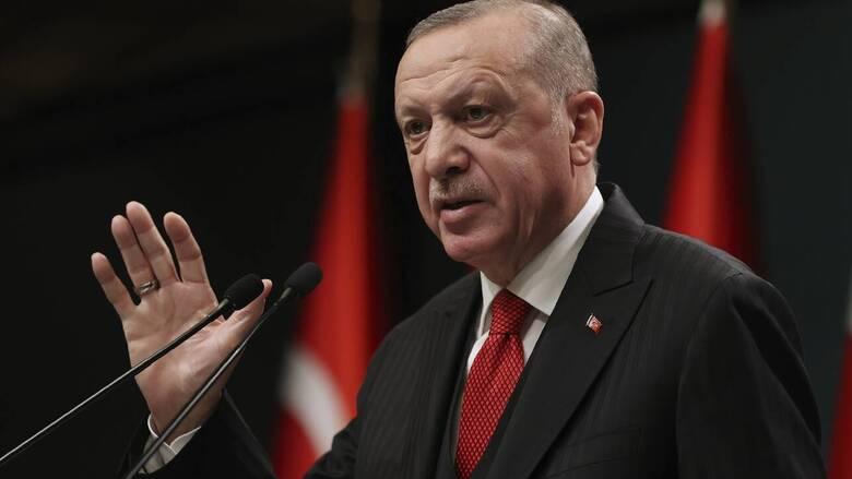 «Πυρά» Ερντογάν κατά ΗΠΑ: Να σταματήσουν να στηρίζουν τρομοκράτες