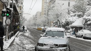 Κακοκαιρία «Μήδεια»: Χιονισμένες όλες οι γειτονιές της Αττικής - Εντυπωσιακές φωτογραφίες