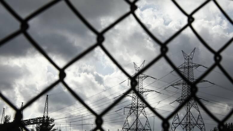 Κακοκαιρία «Μήδεια» - ΔΕΔΔΗΕ: Μάχη με τον χρόνο για την αποκατάσταση της ηλεκτροδότησης
