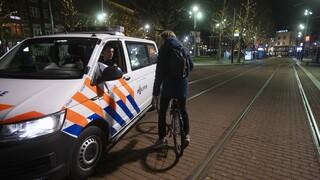 Κορωνοϊός - Ολλανδία: «Τρέχει» η κυβέρνηση για να διατηρήσει την απαγόρευση κυκλοφορίας