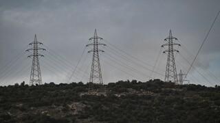 «Μήδεια» - ΔΕΔΔΗΕ: Συνεργεία θα δουλεύουν όλη νύχτα για να επανέλθει το ρεύμα στα βόρεια προάστια