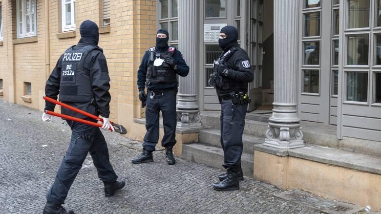 Γερμανία: Επιχείρηση εναντίον του οργανωμένου εγκλήματος - Σύλληψη δύο ατόμων για λαθρεμπόριο όπλων