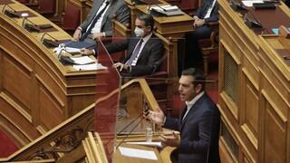 Στην αντεπίθεση η κυβέρνηση για την κριτική Τσίπρα σχετικά με τη λειτουργία της Βουλής