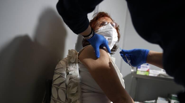 Βεβαίωση εμβολιασμού: Τι χρειάζονται οι πολίτες για την έκδοσή της