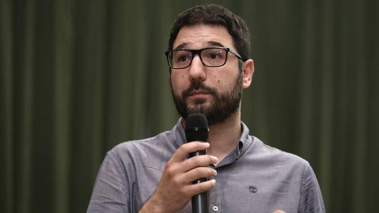 Ηλιόπουλος: Εξοργιστική η μη παραίτηση Μενδώνη – Ευθύνη Μητσοτάκη η συγκάλυψη