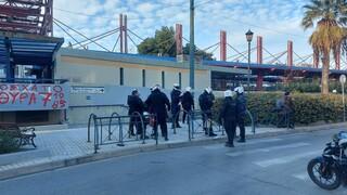 Συγκέντρωση για τον Κουφοντίνα έξω από τα γραφεία της ΝΔ στο Μοσχάτο - 90 προσαγωγές