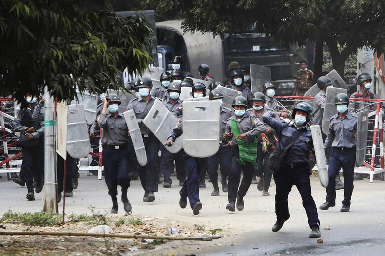Μιανμάρ: Η ΕΕ καταδικάζει τη βία - «Θα ληφθούν οι κατάλληλες αποφάσεις»