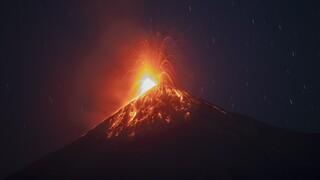 Συναγερμός στη Γουατεμάλα: Ταυτόχρονη ενεργοποίηση τριών ηφαιστείων