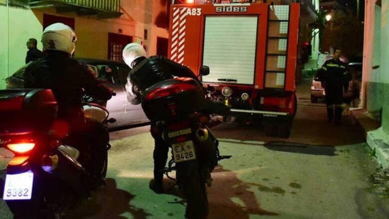 Πετράλωνα: Πυρπόλησαν αυτοκίνητο αστυνομικού τη νύχτα