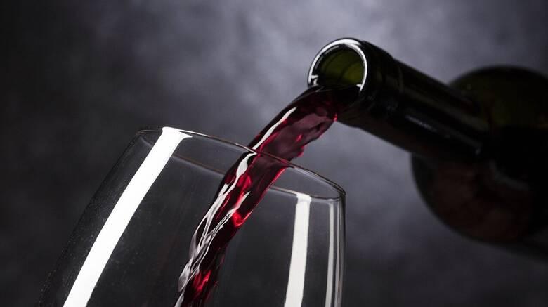 Πανδημία μετά την πανδημία: Γιατί ο κορωνοϊός προκάλεσε έκρηξη στην κατανάλωση αλκοόλ