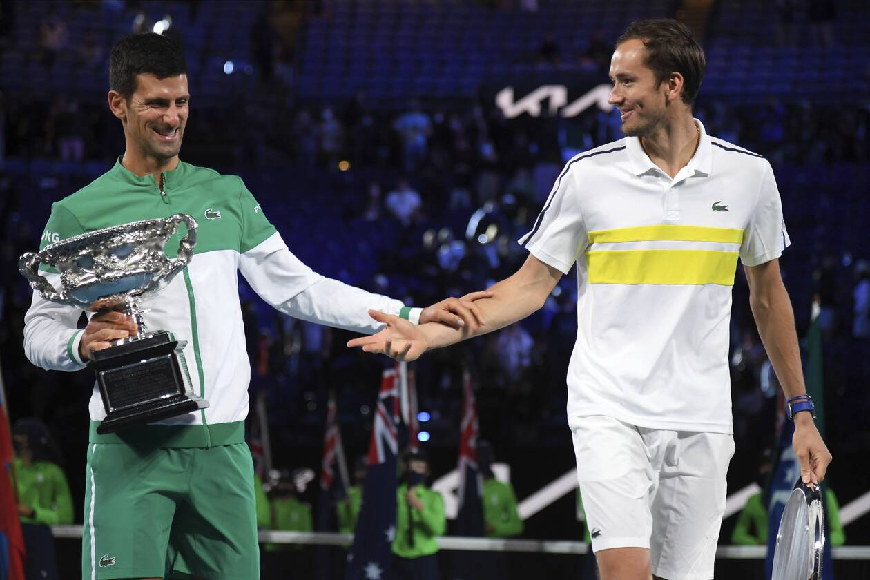 https://cdn.cnngreece.gr/media/news/2021/02/21/255387/photos/snapshot/djokovic-medvedev-australian-open-2.jpg