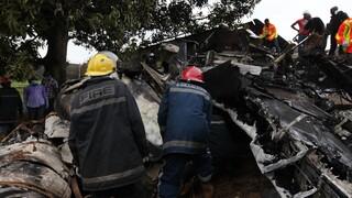 Συντριβή στρατιωτικού αεροσκάφους στη Νιγηρία – Νεκροί όλοι οι επιβαίνοντες