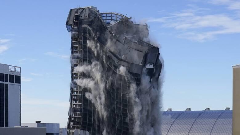 Κατεδαφίστηκε το Trump Plaza στo Νιού Τζέρσεϊ - Συντρίμμια 34 όροφοι σε δευτερόλεπτα