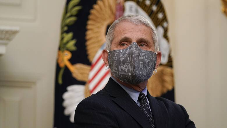 Κορωνοϊός - Φάουτσι: Πιθανώς θα φοράμε μάσκα και το 2022 στις ΗΠΑ