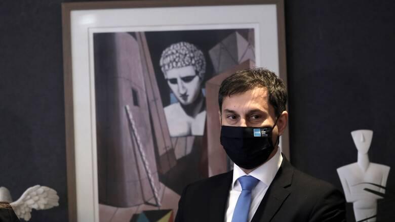 Θεοχάρης: Κερδίζει έδαφος στην ΕΕ το πιστοποιητικό εμβολιασμού