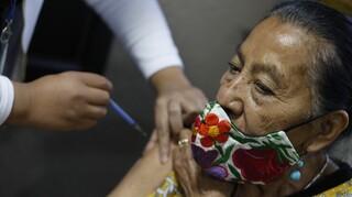 Κορωνοϊός - Μεξικό: Θυμός και ελπίδα για τους εμβολιασμούς