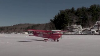 ΗΠΑ: Παγωμένη λίμνη στο Νιου Χαμσάιρ μετατρέπεται σε διάδρομο προσγείωσης
