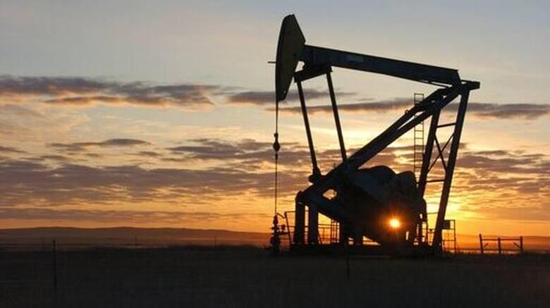 Βύθισε τη ζήτηση πετρελαίου ο κορωνοϊός